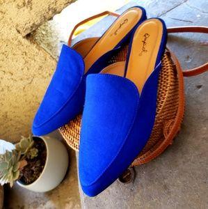 Shoes - 🆕️//The Brooklyn// Royal blue mule flat